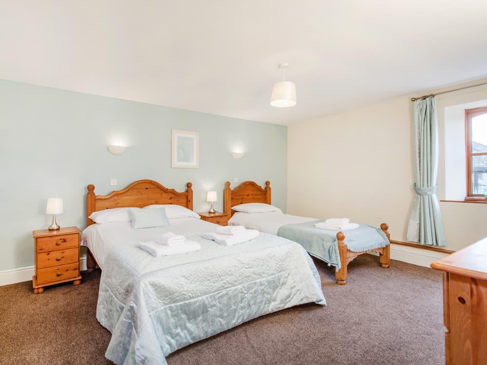 Martingale Bedroom Triple