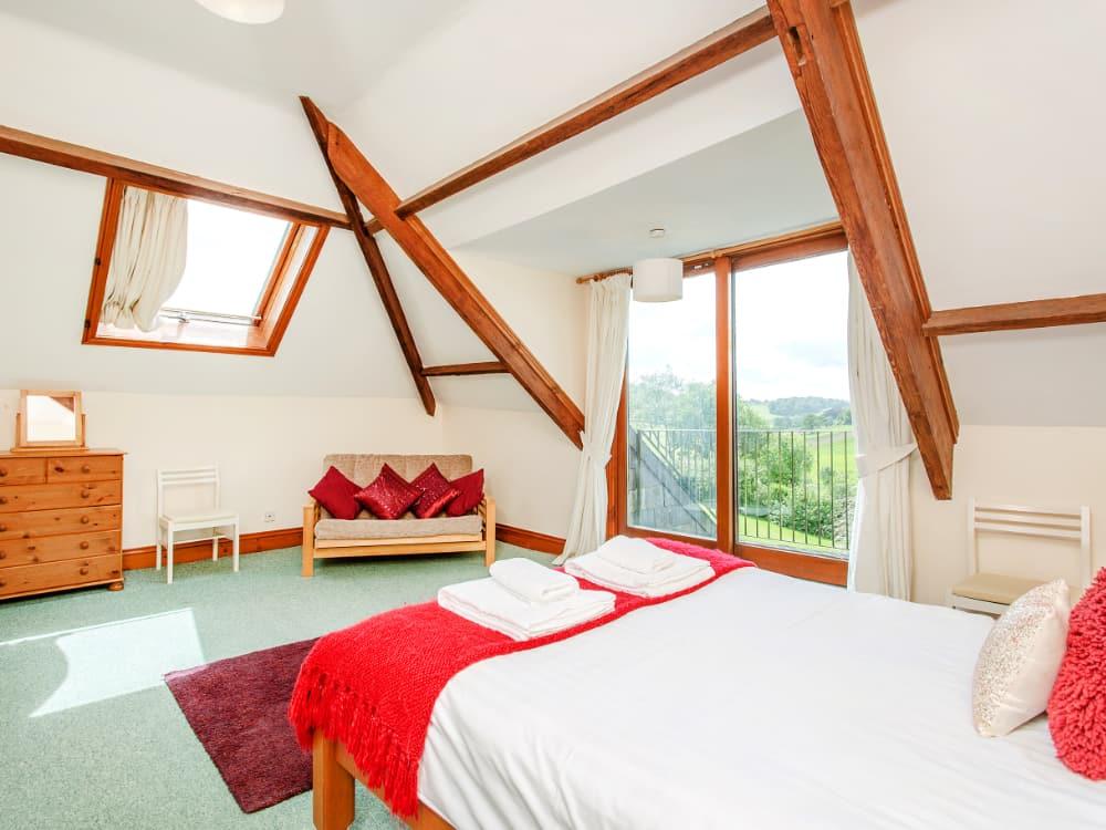 Pelham Slide Bedroom 3