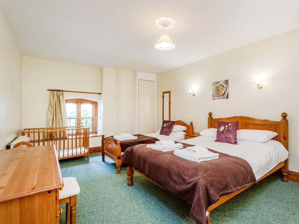 Pelham Slide Bedroom